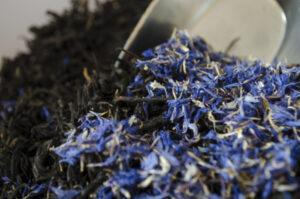 empress grey tea leaves mixing