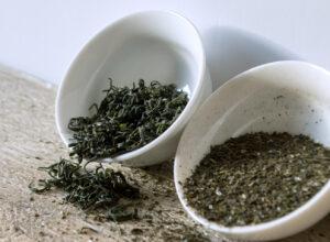 green tea leaves vs loose leaf green tea